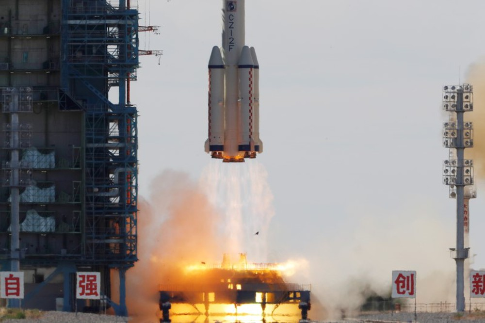Trung Quốc đột phá, phóng thành công Thần Châu 12: Đưa 3 người lên xây trạm Thiên Cung! - Ảnh 3.