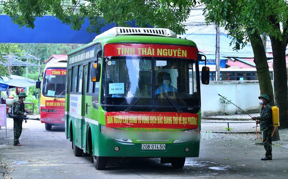 """Thực hư thông tin 500 công nhân trở về Thái Nguyên từ Bắc Giang """"trốn cách ly"""""""