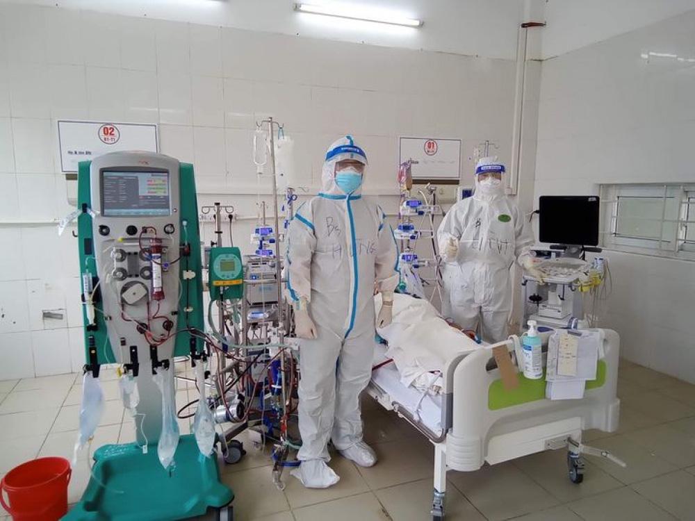 Mô hình điều trị COVID-19 chưa từng có: Tháp 3 tầng, áp dụng tại Bắc Giang thành công - Ảnh 1.