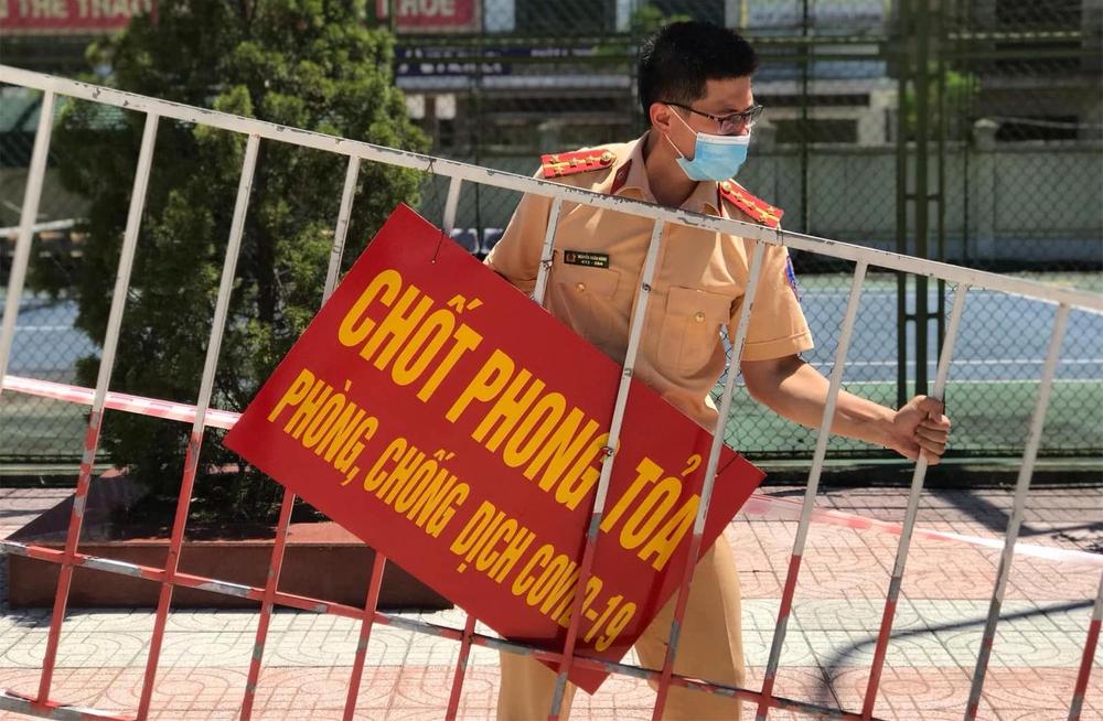 Tin mới dịch Covid-19 ở Hà Tĩnh: Chuyển sang giãn cách xã hội TP theo Chỉ thị 15 - Ảnh 4.