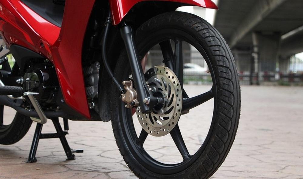 Mẫu xe máy Thái đi 100km hết 1,3 lít xăng, giá 27 triệu đồng, chặt đẹp Honda Wave Alpha - Ảnh 9.