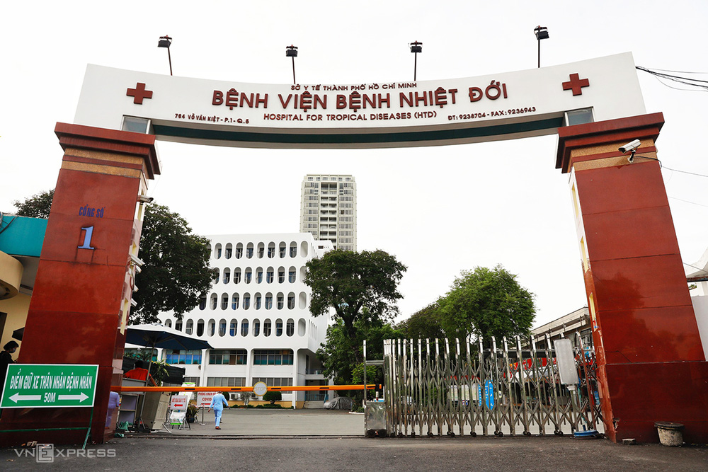 PGS.TS Lương Ngọc Khuê: Chủng Delta khiến người nhiễm chuyển từ thể nhẹ sang nặng nhanh, nhiều người trẻ chuyển nặng - Ảnh 2.