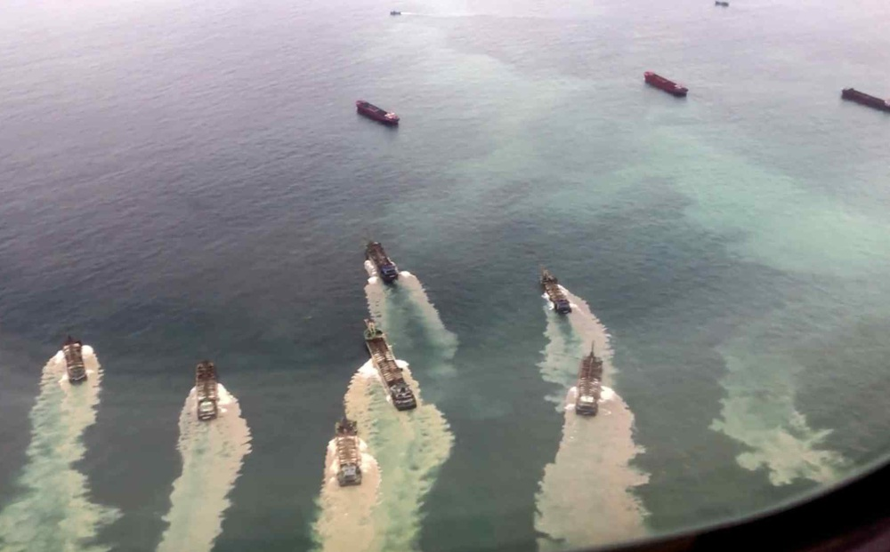 """Tàu hút cát TQ """"quần thảo"""" eo biển Đài Loan: Chiến lược từng bước kiểm soát Đài Loan"""