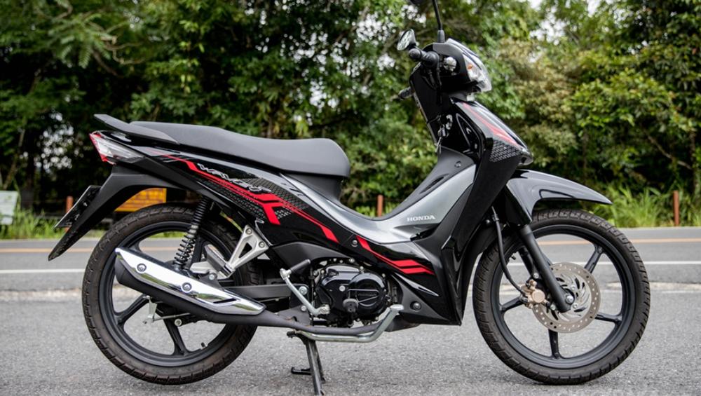 Mẫu xe máy Thái đi 100km hết 1,3 lít xăng, giá 27 triệu đồng, chặt đẹp Honda Wave Alpha - Ảnh 2.