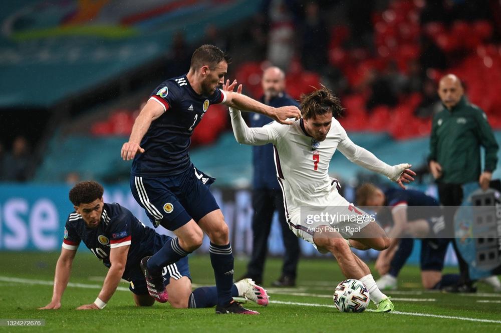 Đại pháo biến thành kẻ ngoài cuộc, đội tuyển Anh sảy chân trước địch thủ trăm năm - Ảnh 4.
