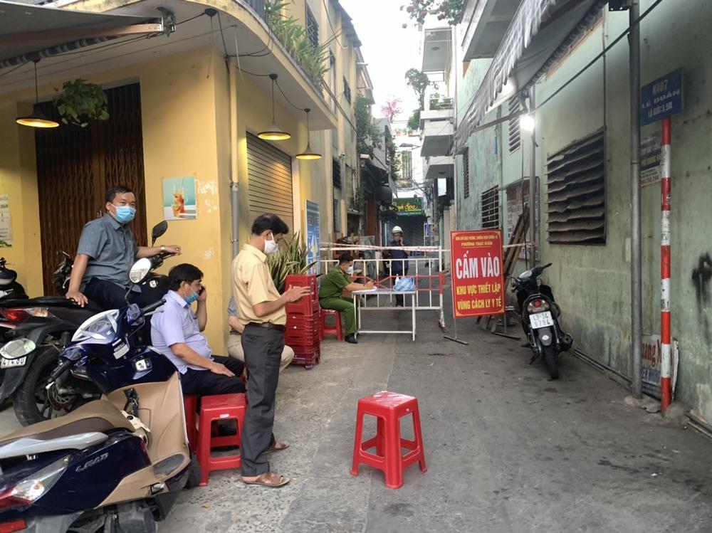 Đà Nẵng: Khẩn trương truy vết F1 của người bán vải mắc Covid-19 quê Nghệ An  - Ảnh 1.