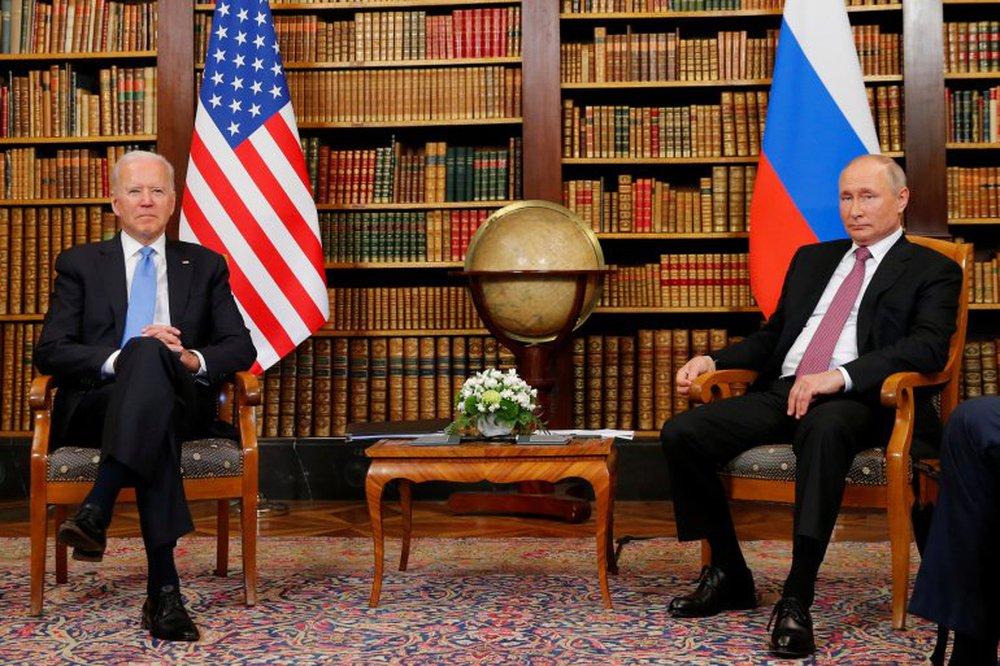 Mang chiến thắng trở về, ông Putin vẫn không khỏi toát mồ hôi? - Ảnh 1.