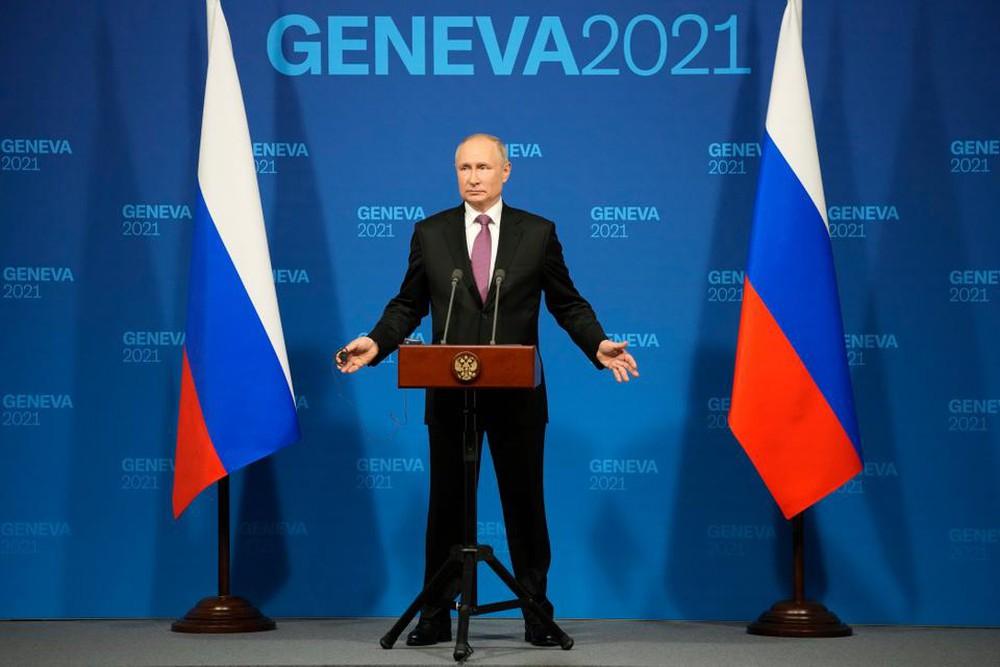 Mang chiến thắng trở về, ông Putin vẫn không khỏi toát mồ hôi? - Ảnh 2.
