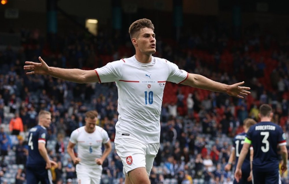 EURO 2020 – Màn Marketing hoàn hảo cho Patrik Strick - Ảnh 1.