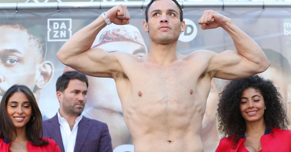 Thừa 2kg, nhà cựu vô địch quyền Anh thế giới Julio Chavez mất luôn 100 nghìn USD vào túi Anderson Silva - Ảnh 1.