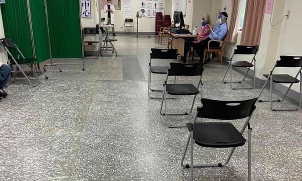 4 ngày có 40 người tử vong sau tiêm vắc xin AstraZeneca: Đài Loan ra 3 khuyến nghị cho người già liên quan đến nắng nóng - Ảnh 2.