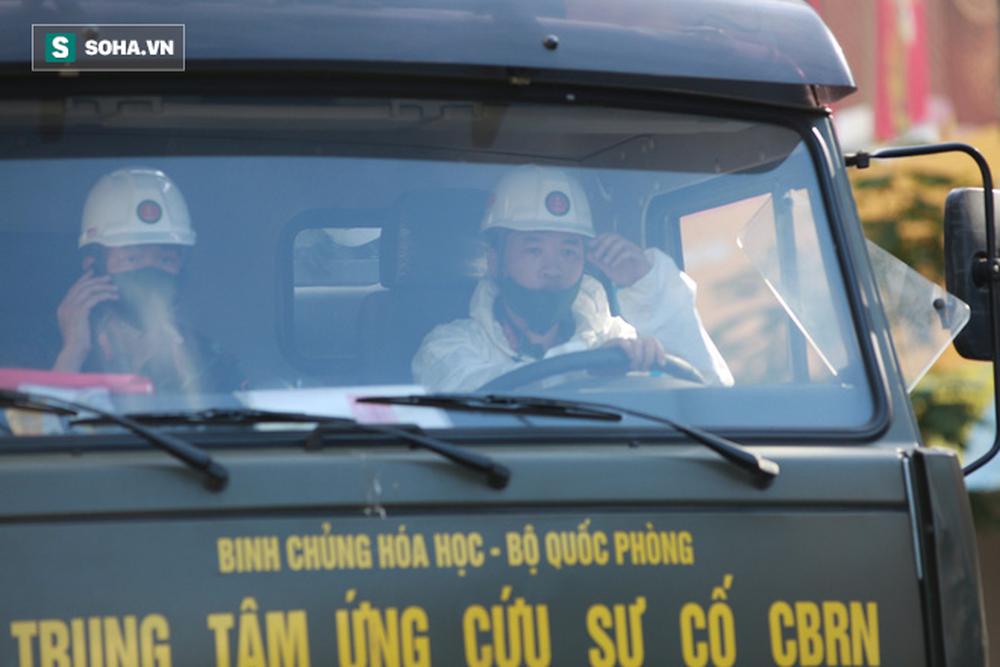 Tin dịch Covid-19 ở Đà Nẵng: Binh chủng hoá học phun khử khuẩn tại nhiều điểm nóng - Ảnh 8.