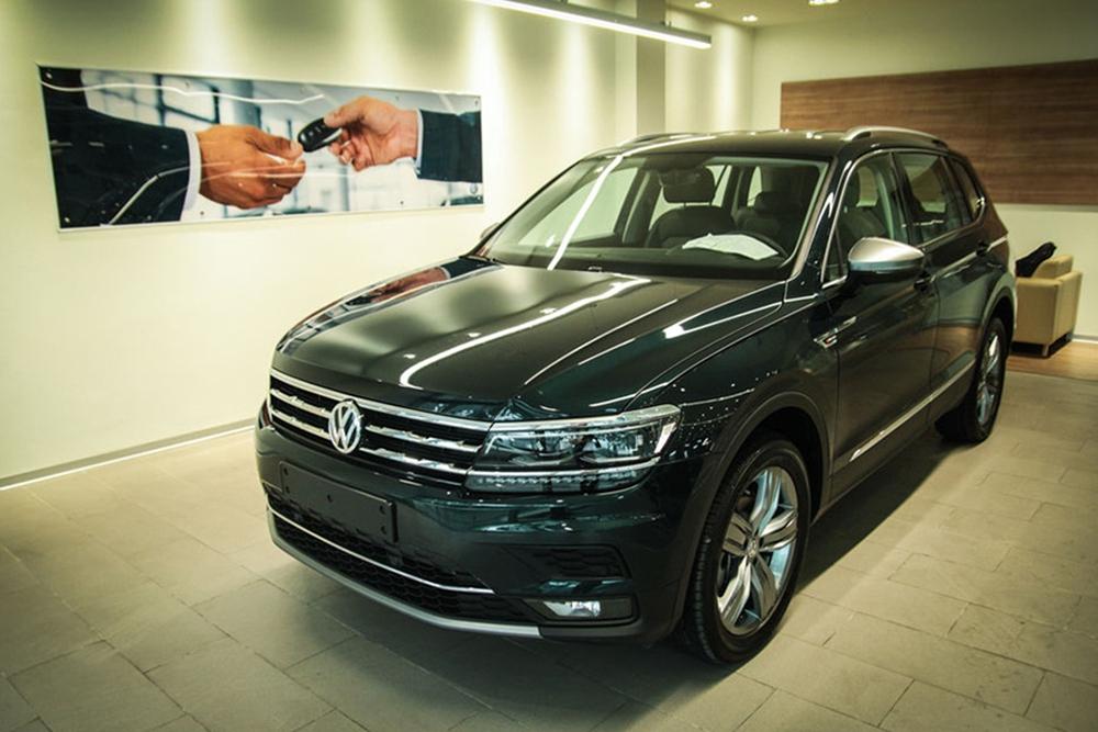 Xả hàng tồn, loạt ô tô hàng hot đang giảm giá hơn trăm triệu đồng - Ảnh 1.