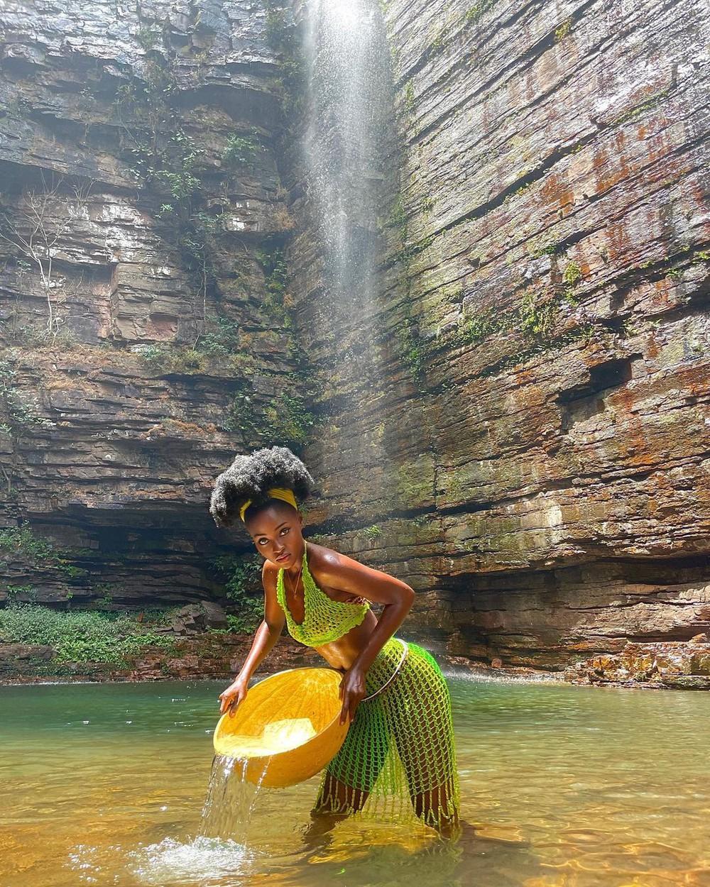 Cô gái Châu Phi đẹp không tì vết, cực nóng bỏng đang gây sốt thật sự là ai?  - Ảnh 5.