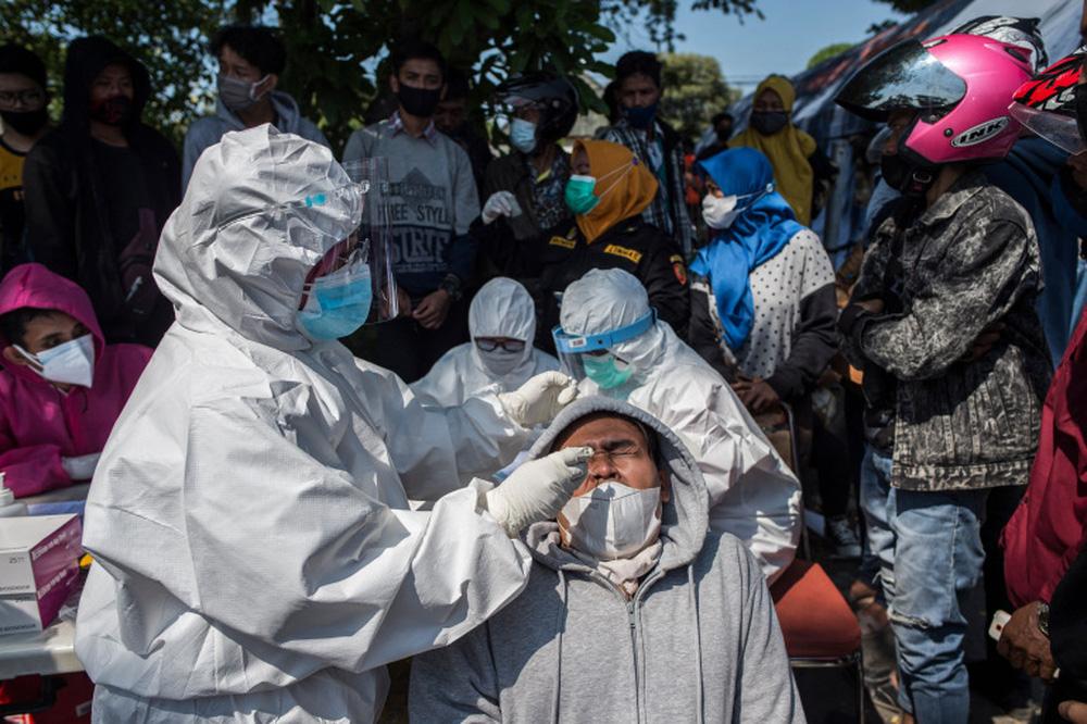Indonesia đối mặt nguy cơ bùng phát COVID-19 giống Ấn Độ - Ảnh 2.