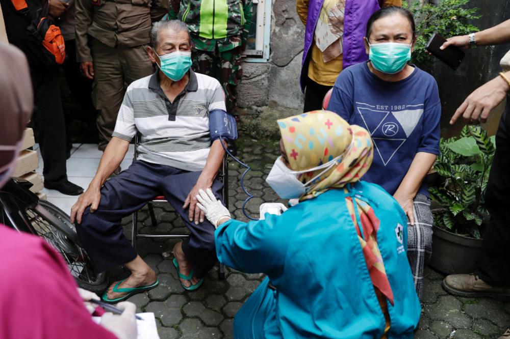 Indonesia đối mặt nguy cơ bùng phát COVID-19 giống Ấn Độ - Ảnh 6.