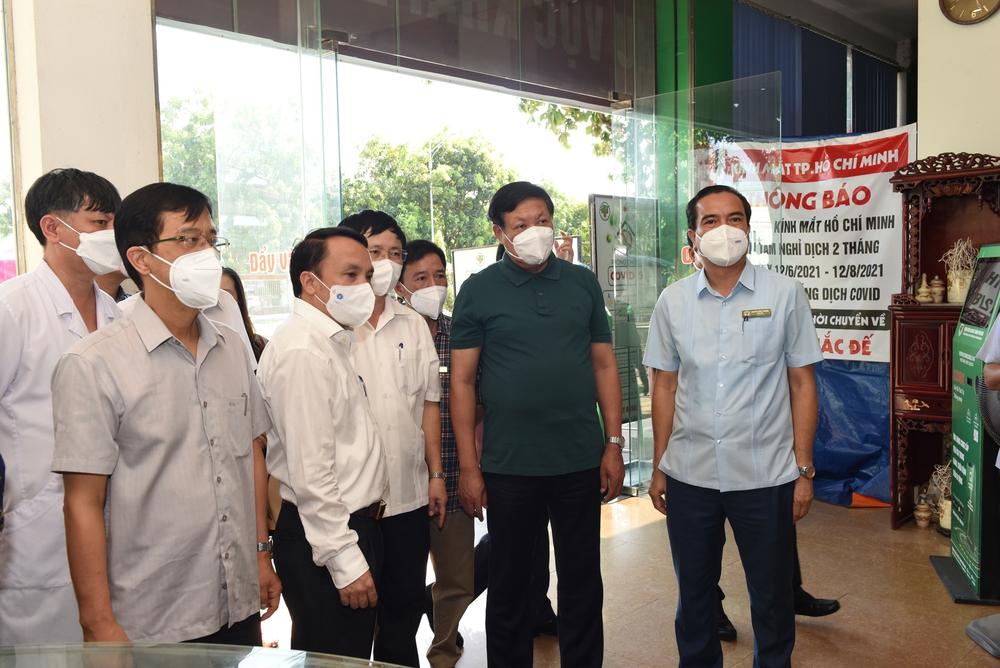 Thứ trưởng Bộ Y tế: Nghệ An tiếp tục nâng công suất xét nghiệm, quan tâm phòng dịch COVID-19 ở khu công nghiệp - Ảnh 2.