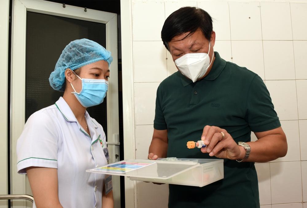 Thứ trưởng Bộ Y tế: Nghệ An tiếp tục nâng công suất xét nghiệm, quan tâm phòng dịch COVID-19 ở khu công nghiệp - Ảnh 7.