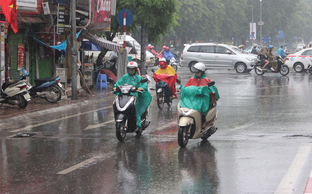 """Hà Nội chuẩn bị đón mưa """"vàng"""", kết thúc nắng nóng khủng khiếp"""