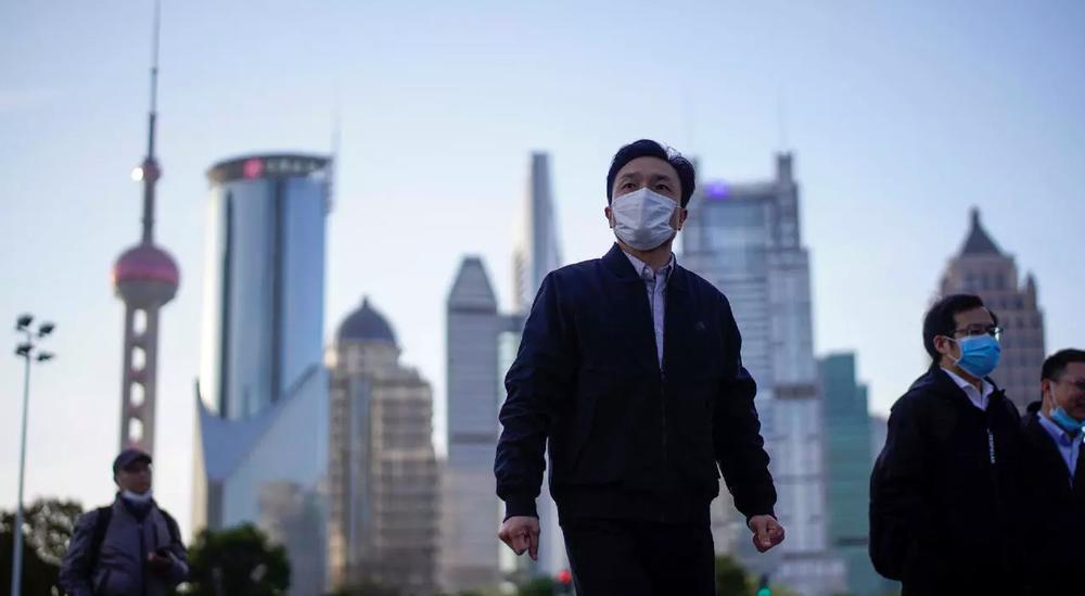 Trung Quốc tiêm 1 tỉ liều vắc xin COVID-19: Động lực bí ẩn khiến dân nước này đổ xô đi tiêm bằng mọi giá - Ảnh 2.