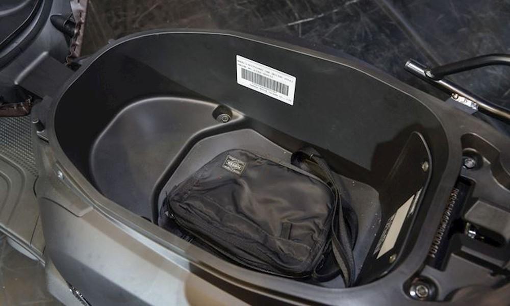 Xe máy Yamaha tiết kiệm xăng, thiết kế lạ chưa từng có, sẽ đấu Honda Vision? - Ảnh 11.