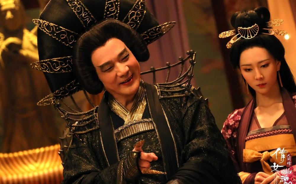 Tài tử Thiên long bát bộ 3 đời vợ, bị chê cười vì cặp kè hot girl nóng bỏng kém 45 tuổi giờ sống ra sao? - Ảnh 5.
