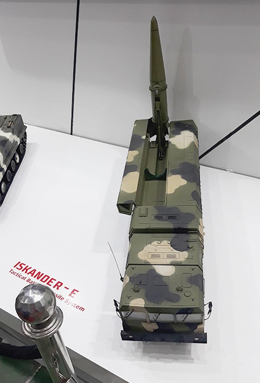 Nga mang tên lửa Iskander tới Việt Nam: Chạm tay vào 1 trong 3 mẫu tên lửa Nga khiến đối phương khiếp sợ - Ảnh 2.