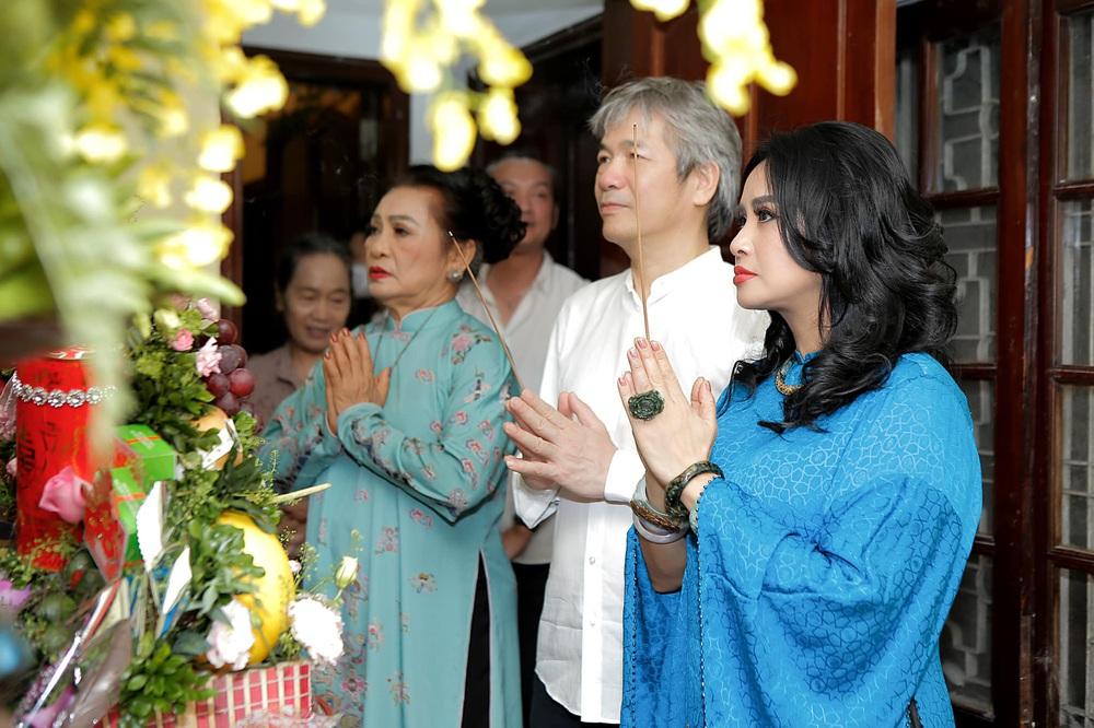 Diva Thanh Lam làm lễ dạm ngõ ở tuổi 52, bạn trai là bác sĩ nổi tiếng - Ảnh 1.