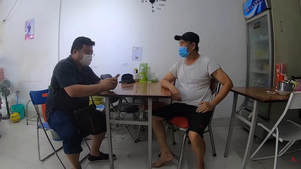 Duy Phương được chủ nhà hàng mời hát đám cưới sau khi than nghèo trên Youtube - Ảnh 3.