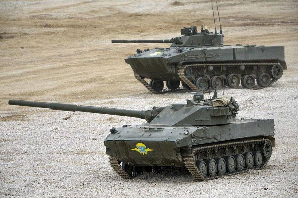 Ấn Độ dự định mua xe tăng của Nga để chạy đua vũ trang với Trung Quốc - Ảnh 1.