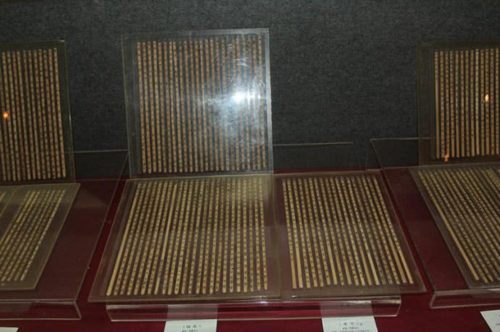 Báu vật thất truyền 2.400 năm được khai quật từ mộ cổ khiến thế giới thất kinh vì thay đổi cả lịch sử - Ảnh 4.