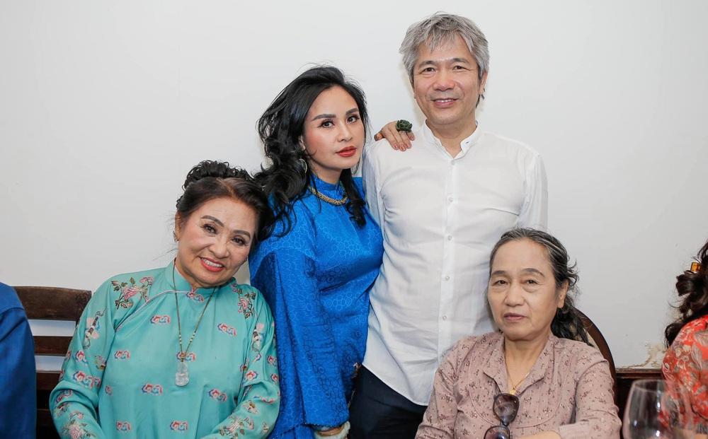 Diva Thanh Lam làm lễ dạm ngõ ở tuổi 52, bạn trai là bác sĩ nổi tiếng