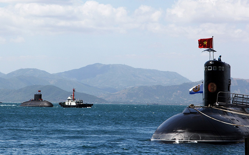 Những chiến binh trong lòng Biển Đông