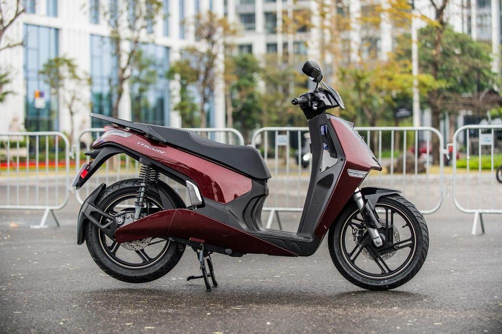 Xe máy điện cao cấp nhất của VinFast ngập công nghệ và đồ hiệu - có gì để đọ Honda SH? - Ảnh 9.