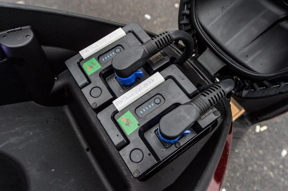 Xe máy điện cao cấp nhất của VinFast ngập công nghệ và đồ hiệu - có gì để đọ Honda SH? - Ảnh 8.