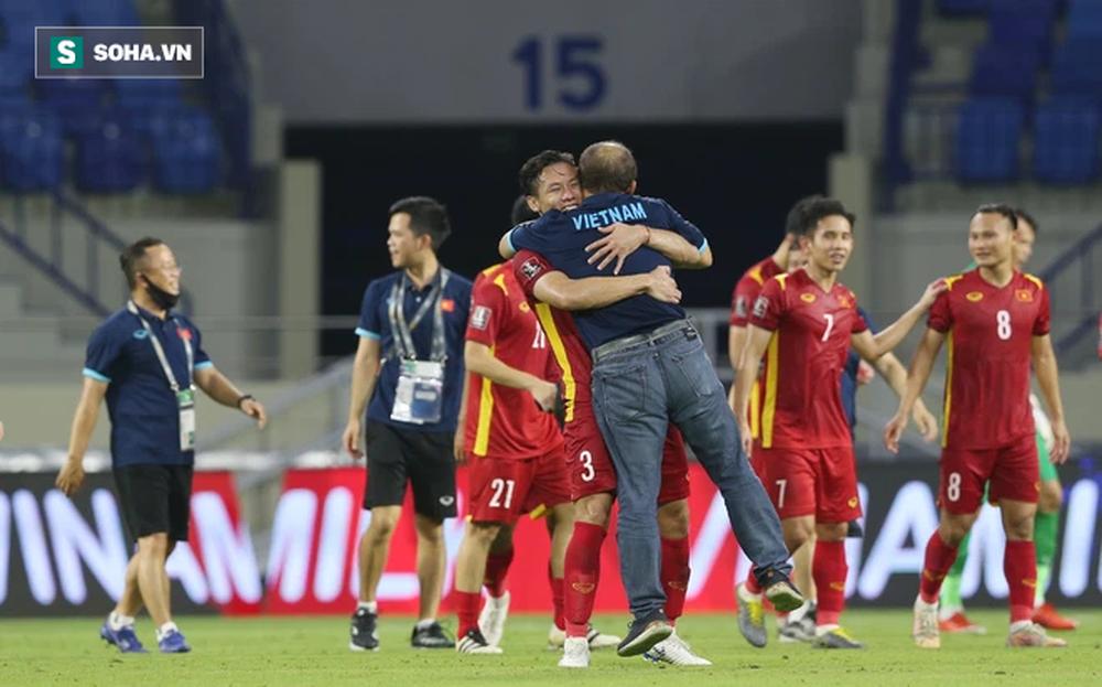 Thầy Park ăn đời ở kiếp với bóng đá Việt Nam: Nhảy vào lò mới biết lửa nóng đến đâu - Ảnh 1.