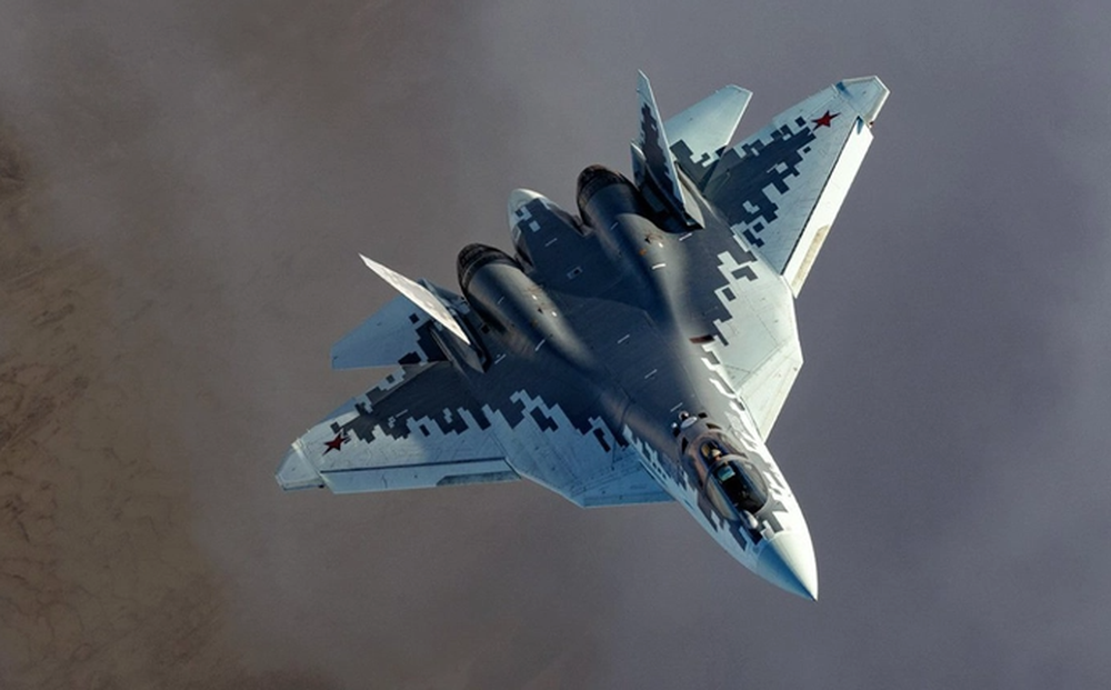 """Giả dạng Su-57, Mỹ rơi vào bẫy của Nga: Đến lúc ngã ngửa thì đã không kịp... """"thay áo""""?"""