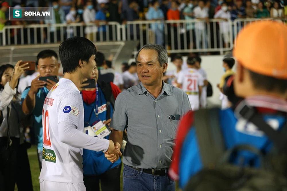 Sự ngớ ngẩn của bóng đá Trung Quốc, hóa ra giống bí quyết thành công của Quang Hải và bầu Đức - Ảnh 3.