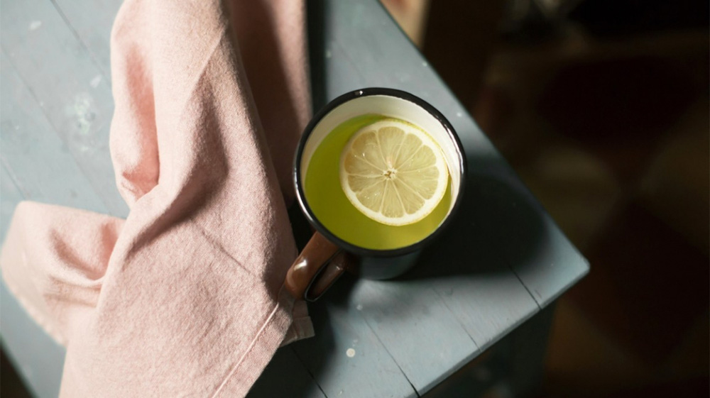 10 lợi ích sức khỏe tuyệt vời khi kết hợp trà xanh với chanh - Ảnh 1.