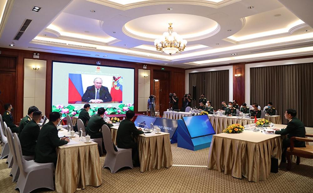 Bộ trưởng Phan Văn Giang: Chính sách quốc phòng Việt Nam mang tính chất hòa bình và tự vệ - Ảnh 2.