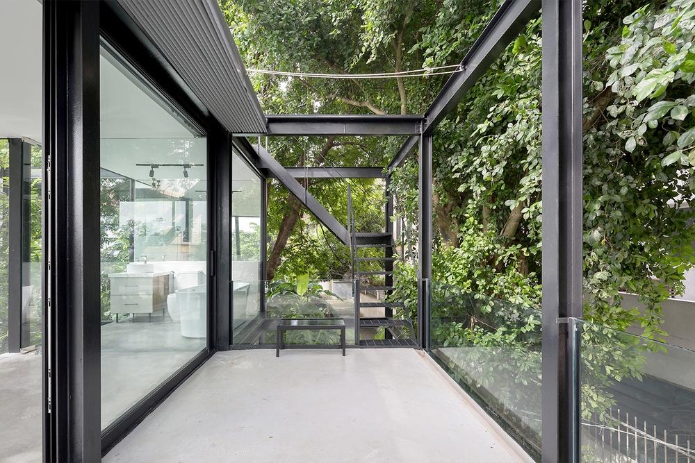 Ngôi nhà nhỏ với bụi chuối, bờ tre ở Ngọc Thụy - Long Biên đẹp lạ trên báo Mỹ - Ảnh 3.