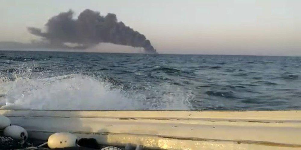 Tàu chiến Iran bị chìm ở vịnh Oman, máy bay không người lái của Israel đã tấn công? - Ảnh 3.