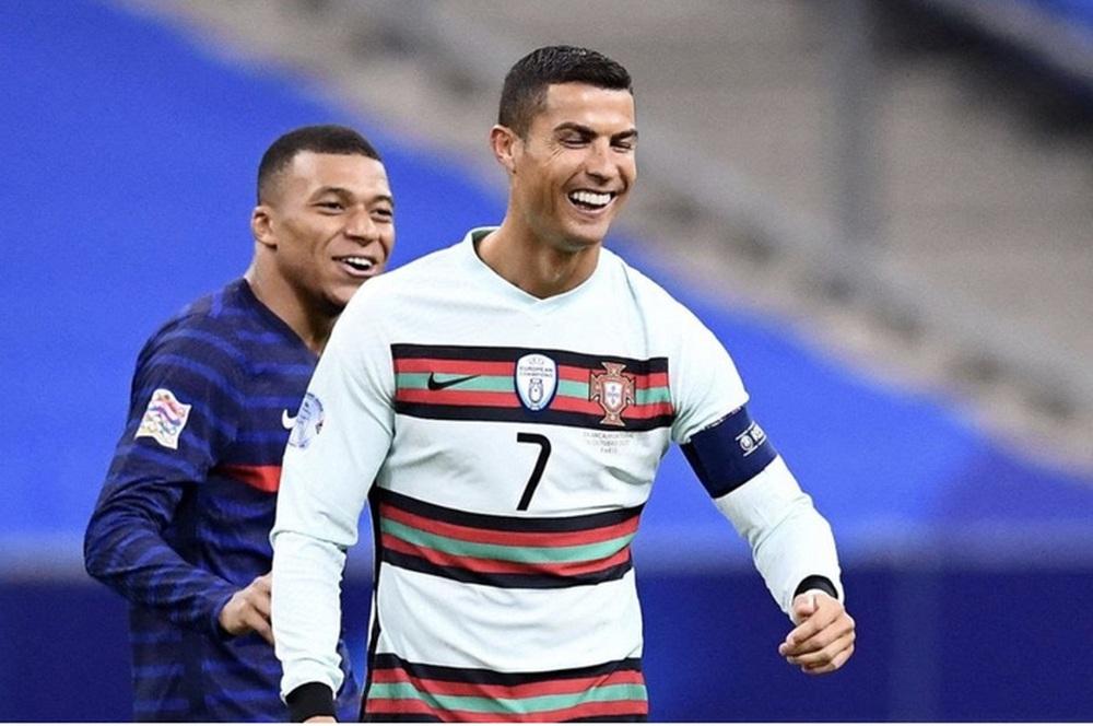 Chuyển nhượng 3/6: Ronaldo, Mbappe và Icardi hoán đổi vị trí cho nhau - Ảnh 6.
