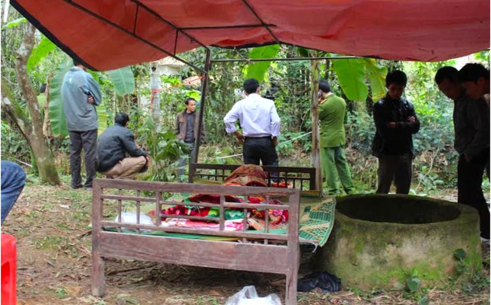 Bàng hoàng phát hiện mẹ và anh trai tử vong cạnh giếng nước sau nhà