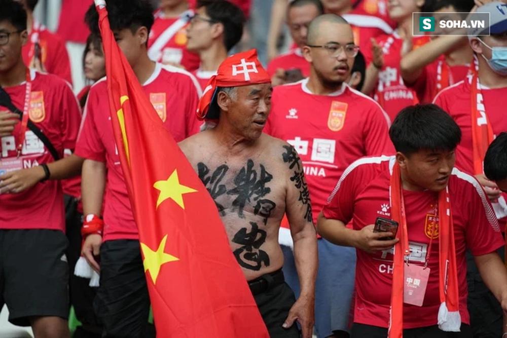 Dư luận Trung Quốc: Không thắng nổi đội tuyển Việt Nam, Liên đoàn bóng đá Trung Quốc giải tán đi! - Ảnh 2.