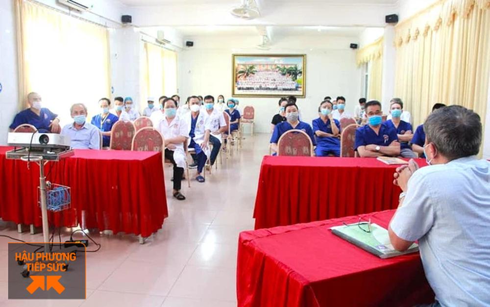 Cả trăm bác sỹ Nghệ An tha thiết xin được lên đường ra Bắc Giang chi viện chống dịch Covid-19 - Ảnh 1.