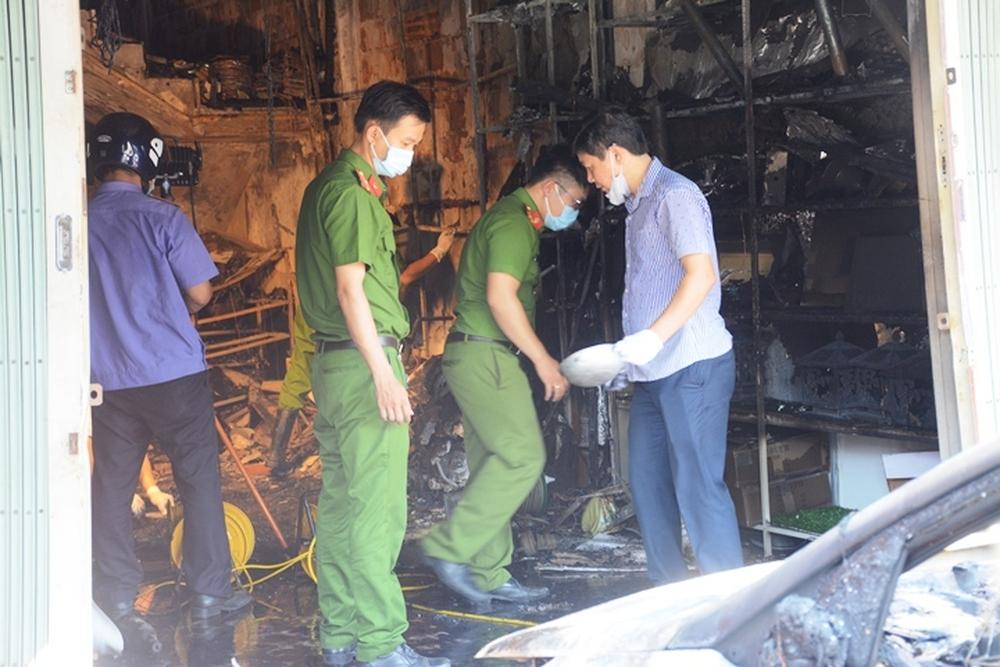 Vụ cháy 4 người tử vong ở Quảng Ngãi: Cảnh sát PCCC bị chê chậm, lãnh đạo Công an nói gì? - Ảnh 1.