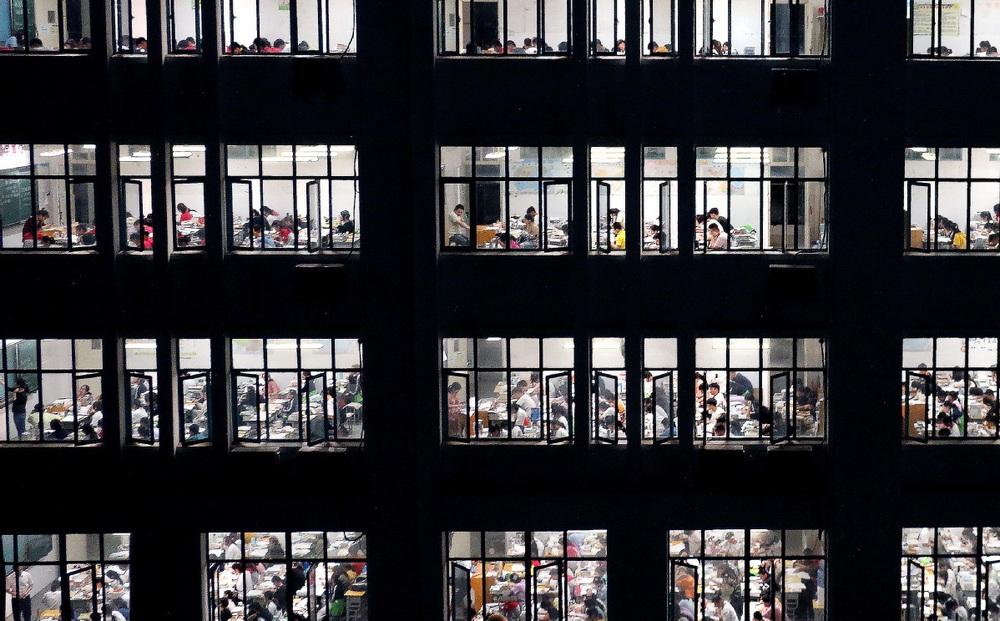7 ngày qua ảnh: Học sinh Trung Quốc ôn luyện buổi tối để chuẩn bị thi đại học