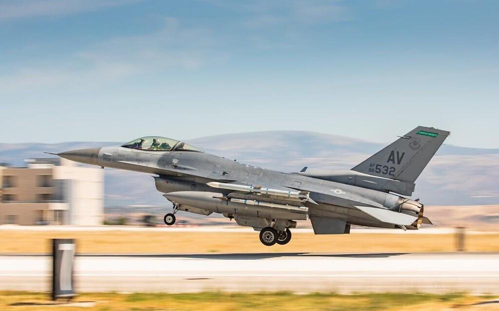 Tung F-35 xung trận, liên quân 4 quốc gia vừa kề dao vào cổ Iran vừa gửi chiến thư tới Nga? - Ảnh 2.