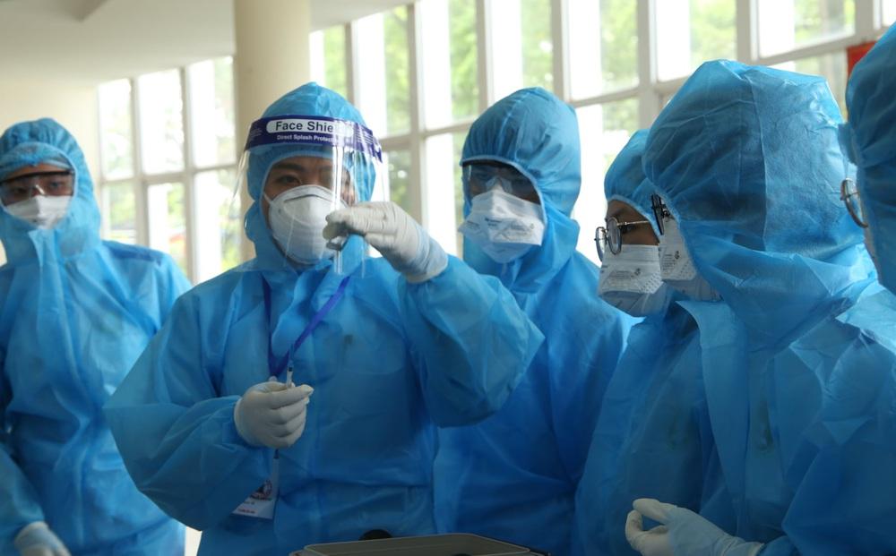 NÓNG: Hà Nội phát hiện người phụ nữ bán rau ở chợ tại Đông Anh dương tính SARS-CoV-2